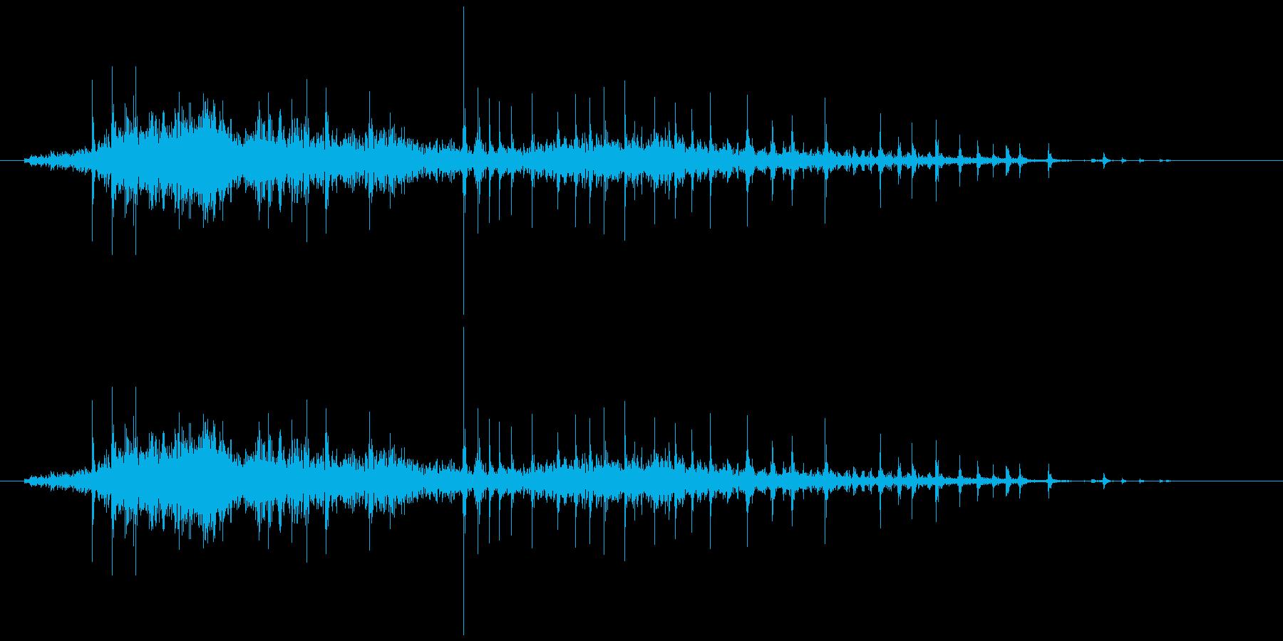 弓をひく効果音(木製、弓矢、きしみ等)4の再生済みの波形