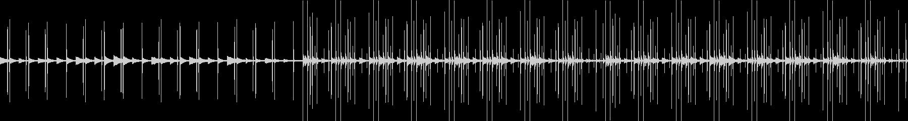 ピアノとエレクトロニカの淡々としたBGMの未再生の波形