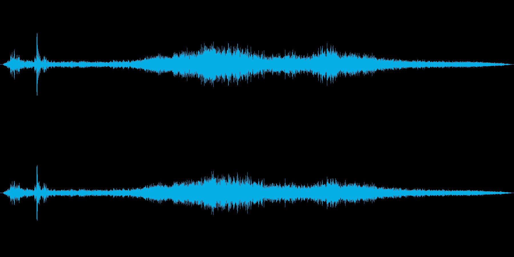 列車 地下鉄の古い出発03の再生済みの波形
