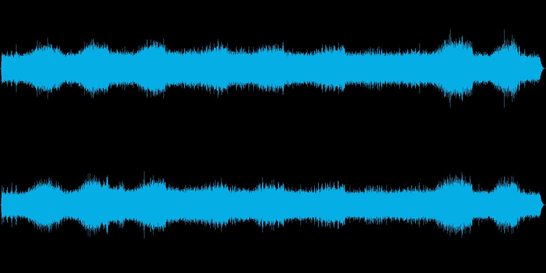 沢山のセミが元気よく鳴く音ですの再生済みの波形