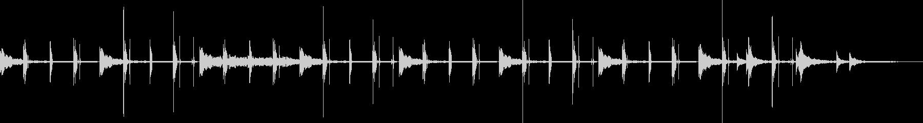 劇的な内包のための民族的音を伴う瞑...の未再生の波形