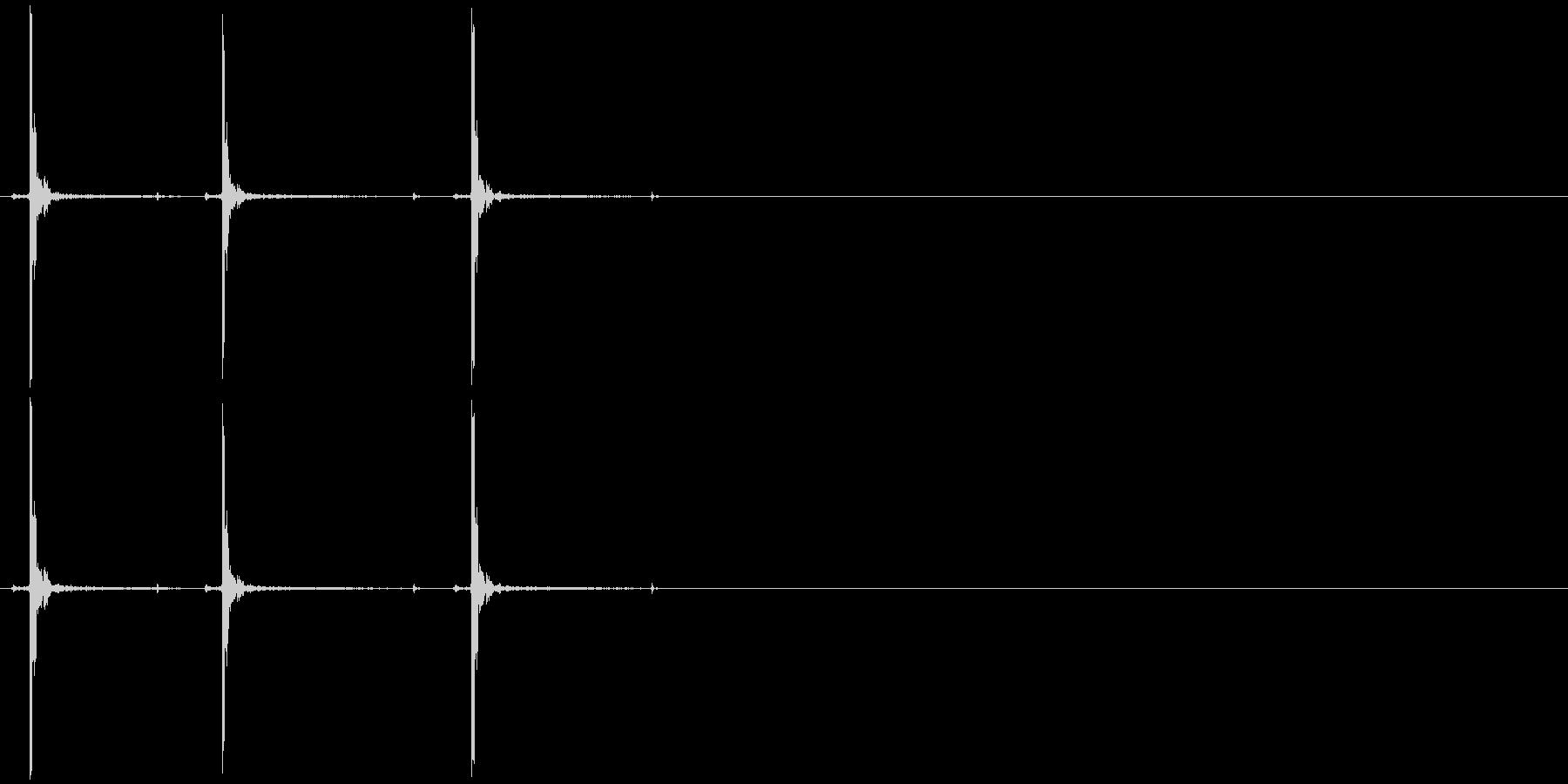 ペイントボールガン:半自動:3ショ...の未再生の波形