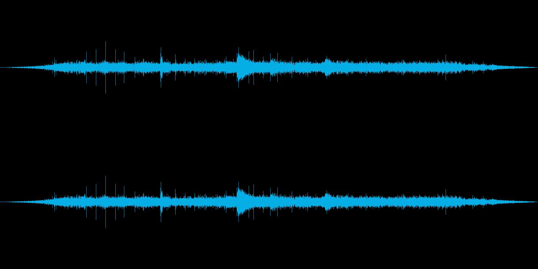 声のつぶやき音声開始領域-の再生済みの波形