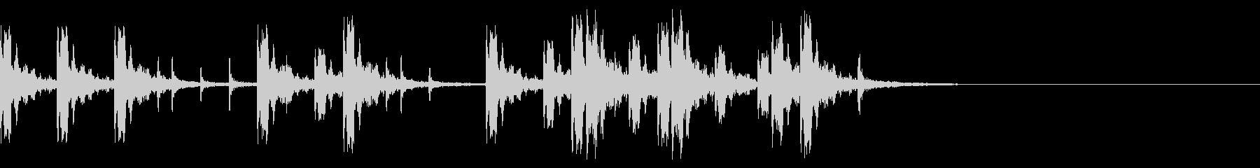 盆踊りの太鼓リズムの長めジングル。の未再生の波形