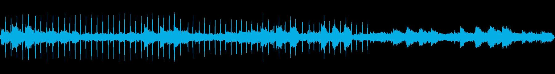 鈴虫と共に連続する虫の鳴き声【初秋】の再生済みの波形
