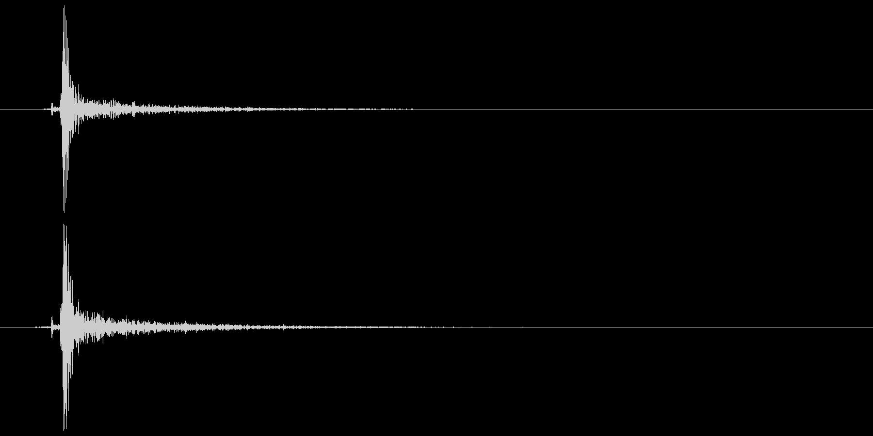 鍵をかける(施錠解錠) チッの未再生の波形