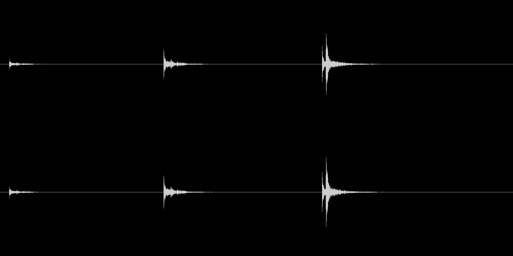 音侍「三連打」雅楽の楽太鼓で雰囲気出ますの未再生の波形