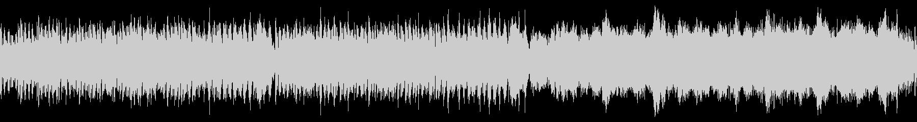 ピアノとストリングスの明るい曲の未再生の波形