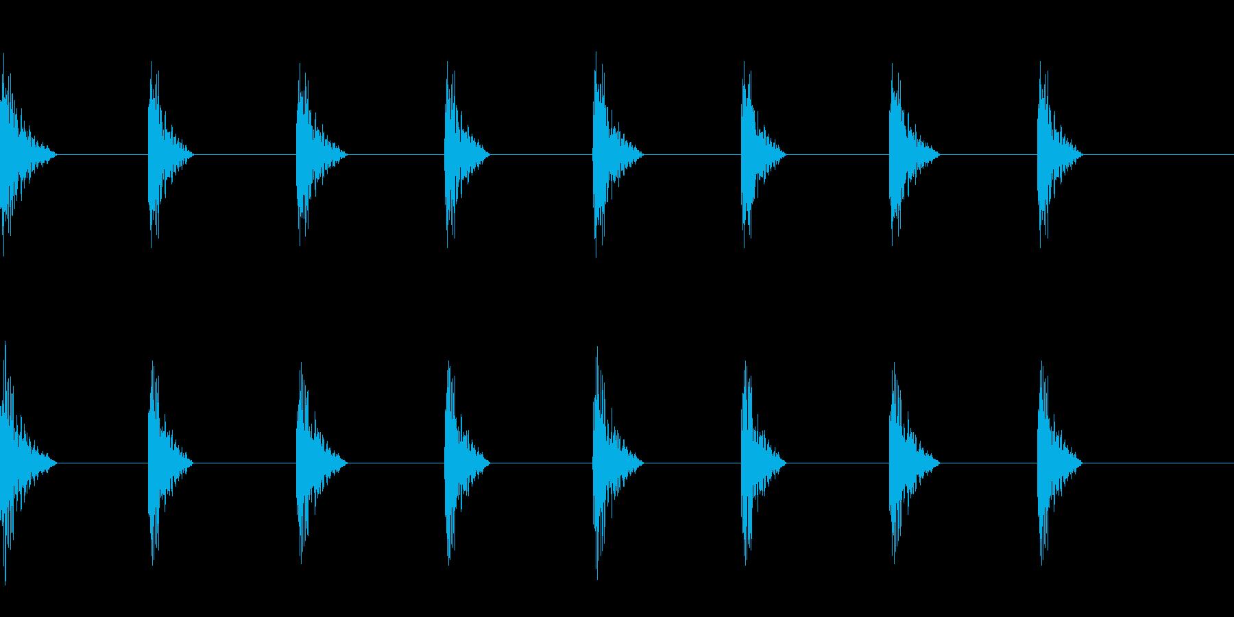 どすん(巨人、歩く、足音)A24の再生済みの波形