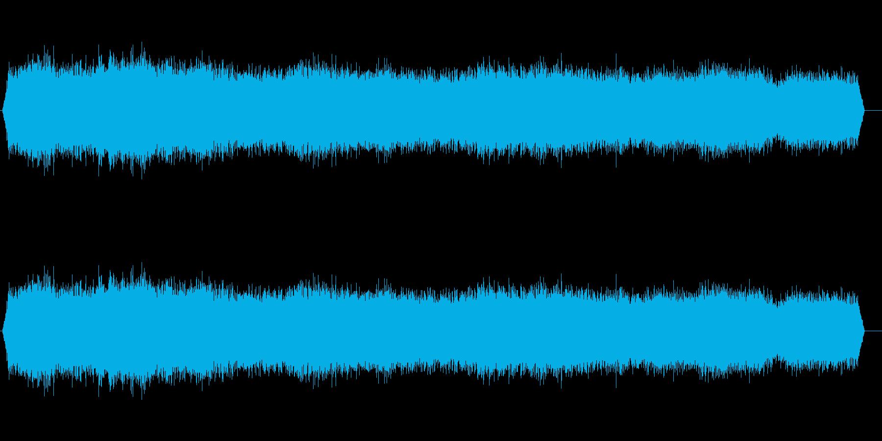 波-大-小石のビーチ-遠い-わずか...の再生済みの波形