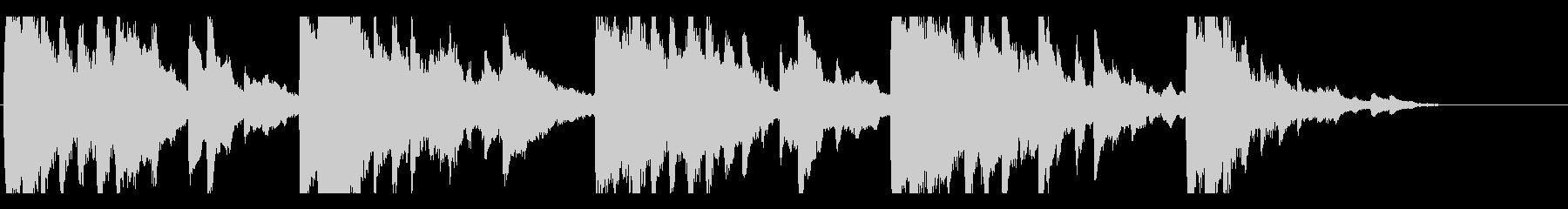 切なくしっとりとしたアンビエント風ピアノの未再生の波形