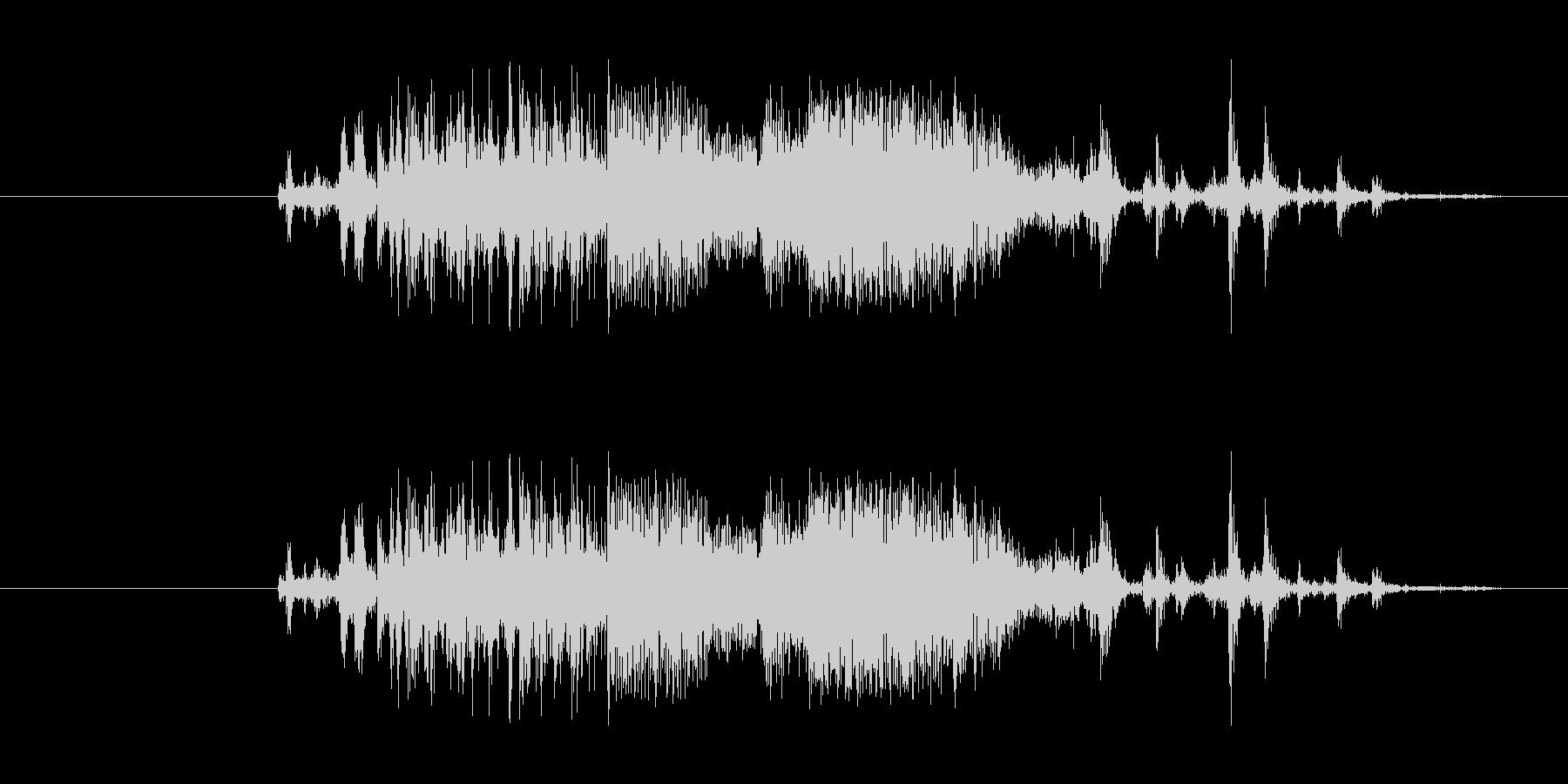 シャカッ(氷をコップに入れる音の未再生の波形