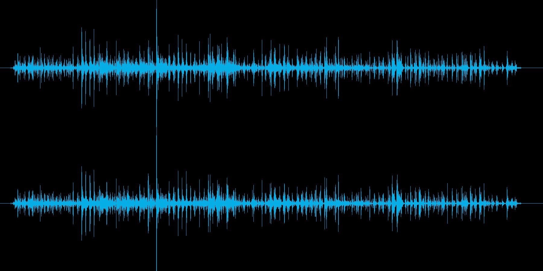 シャララーン…鈴の音色のような効果音の再生済みの波形