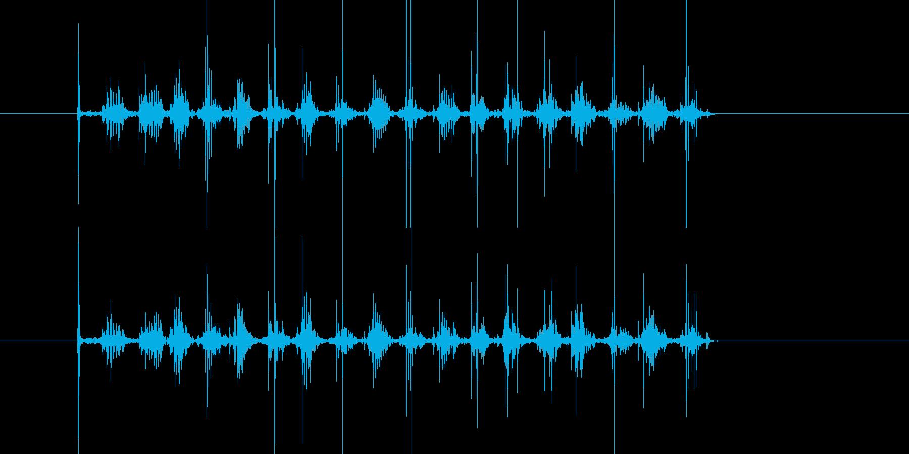 ガラガラ…ローラーを勢い良く転がす音の再生済みの波形