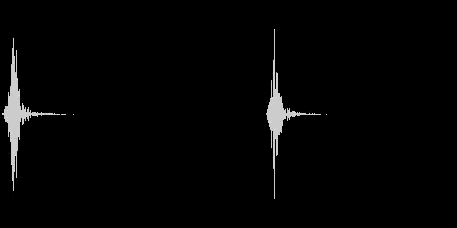 シュッシュッ(振る音、風切り音)の未再生の波形