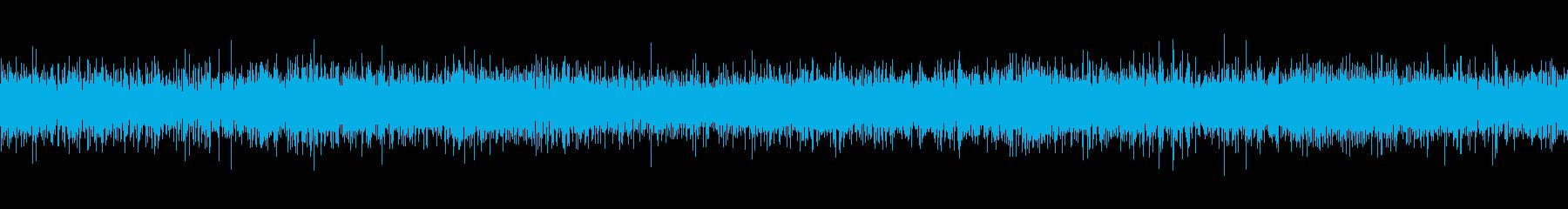 小降りの雨が傘に当たる音(パラパラ)の再生済みの波形