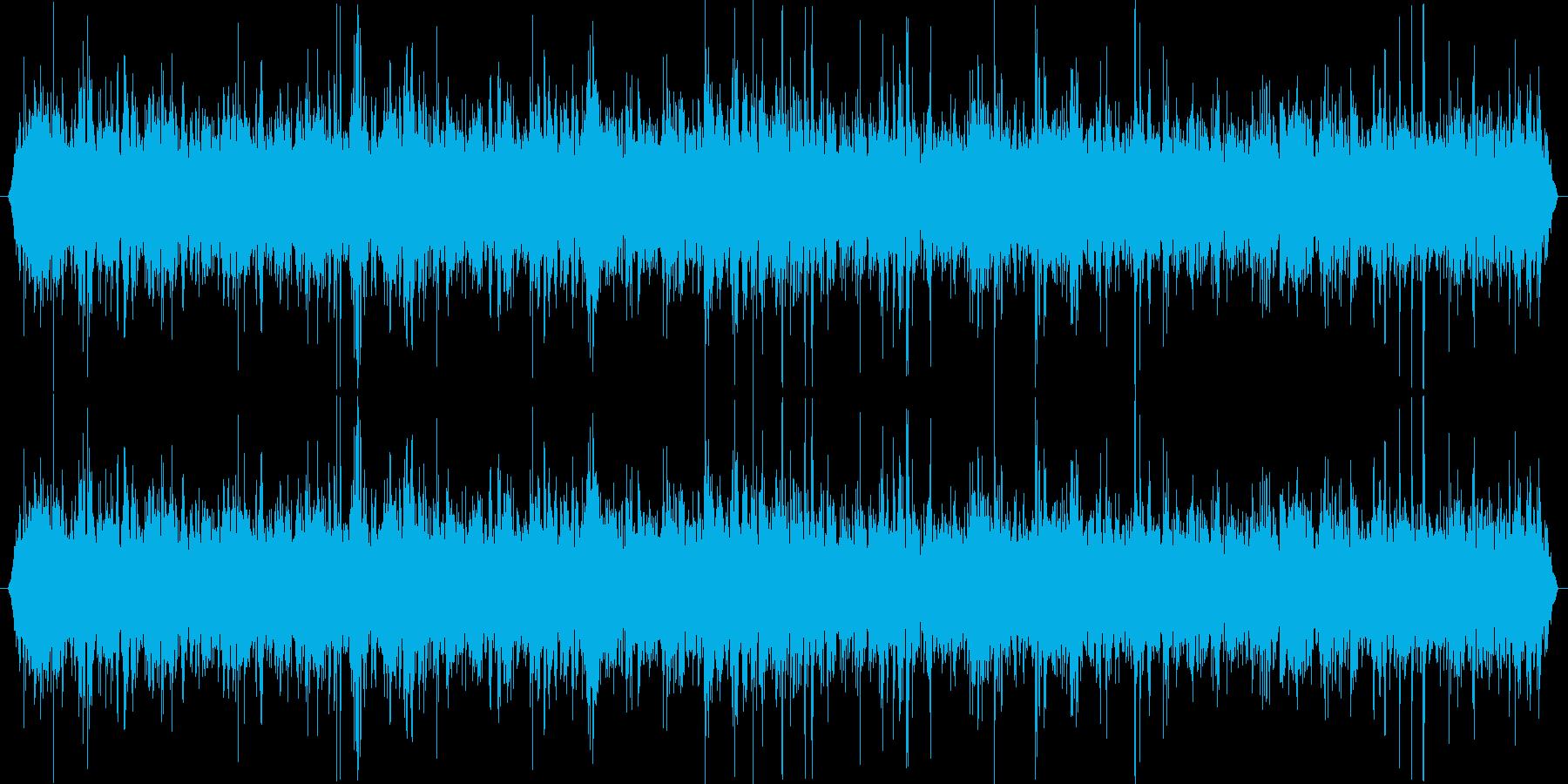 渓流の水が流れる音ですの再生済みの波形