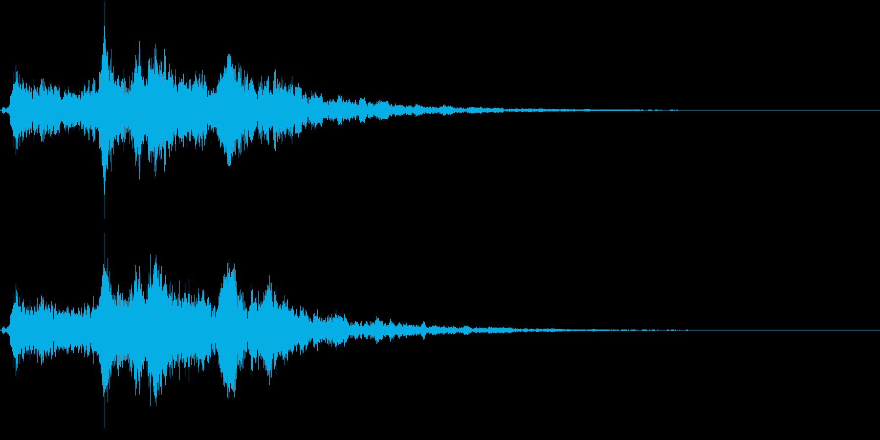 「シャンシャン」象徴的な鈴の音+リバーブの再生済みの波形