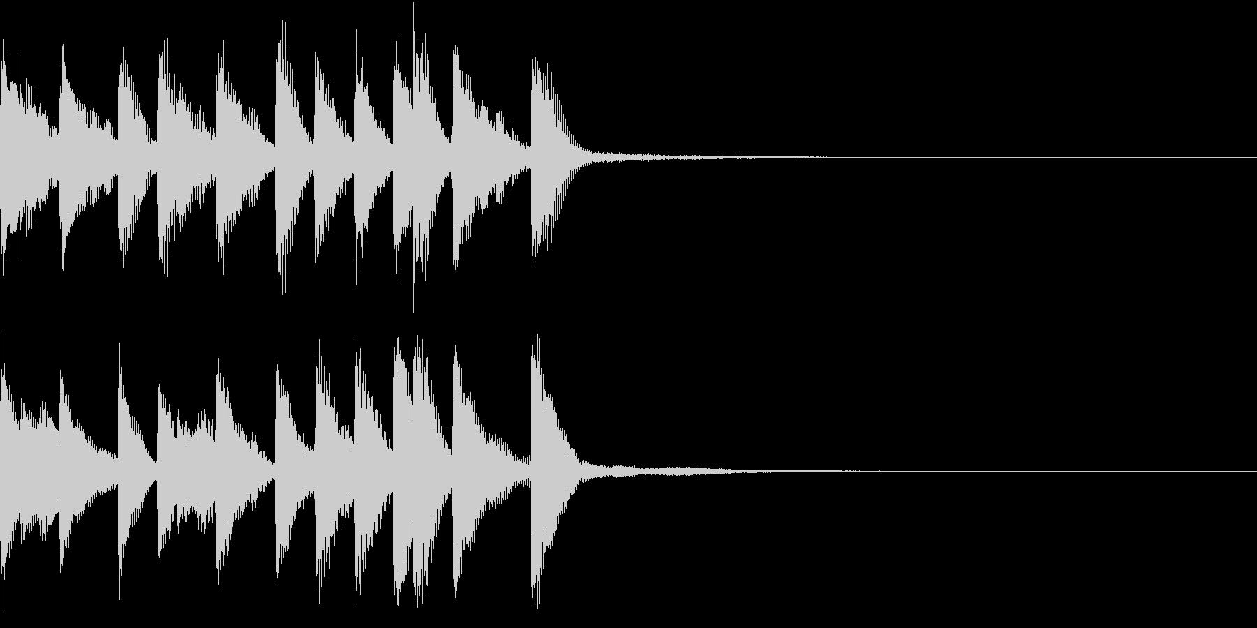 陽気な雰囲気のピアノのジングルの未再生の波形