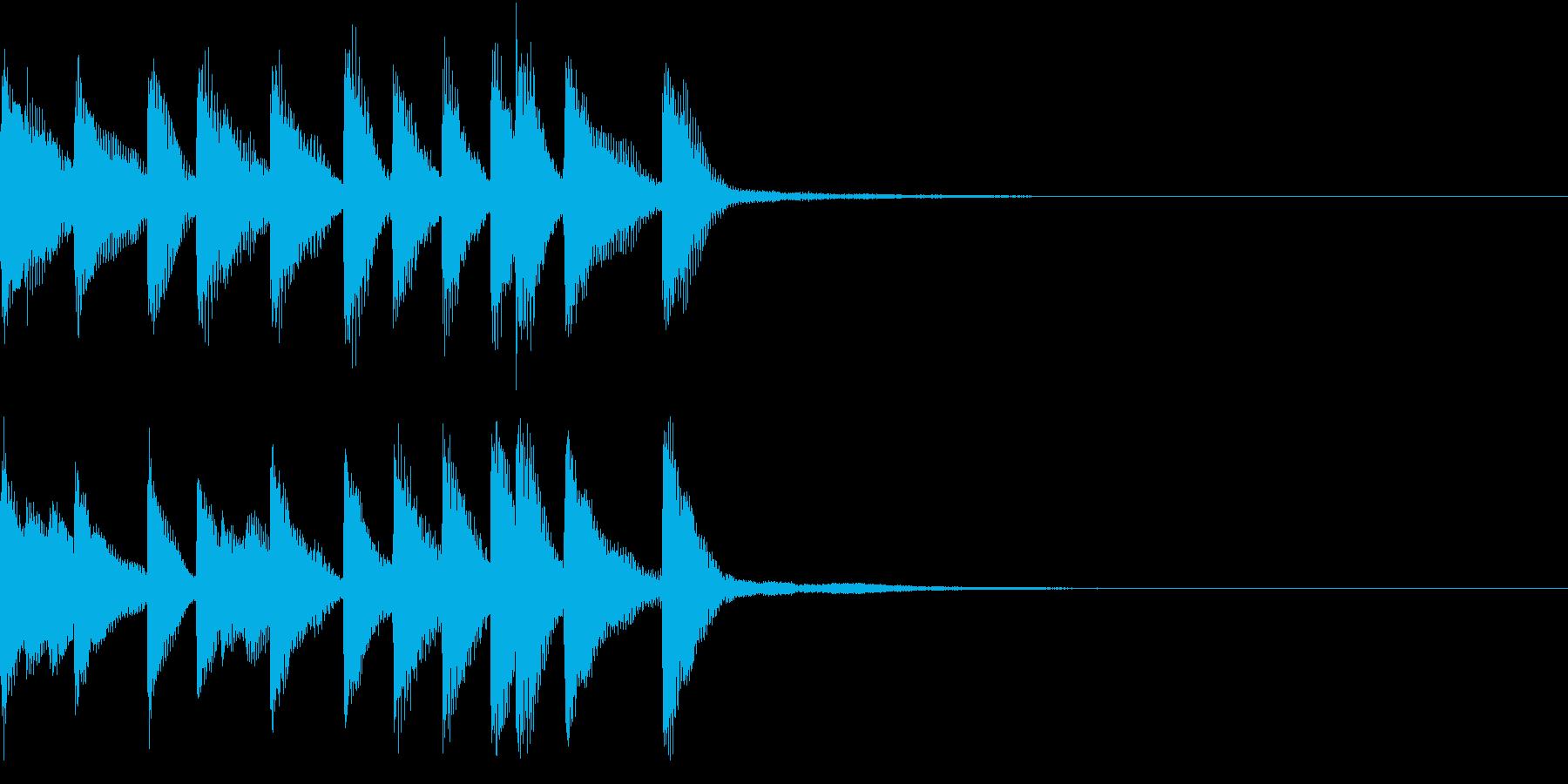 陽気な雰囲気のピアノのジングルの再生済みの波形