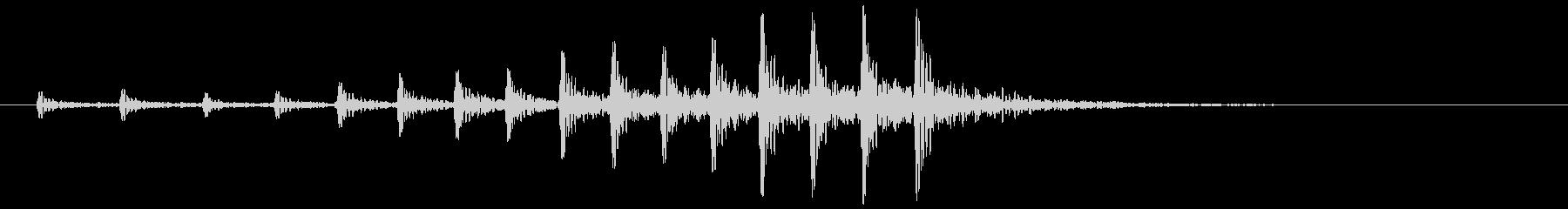 パーカッション-ドラマチックなバスドラムの未再生の波形
