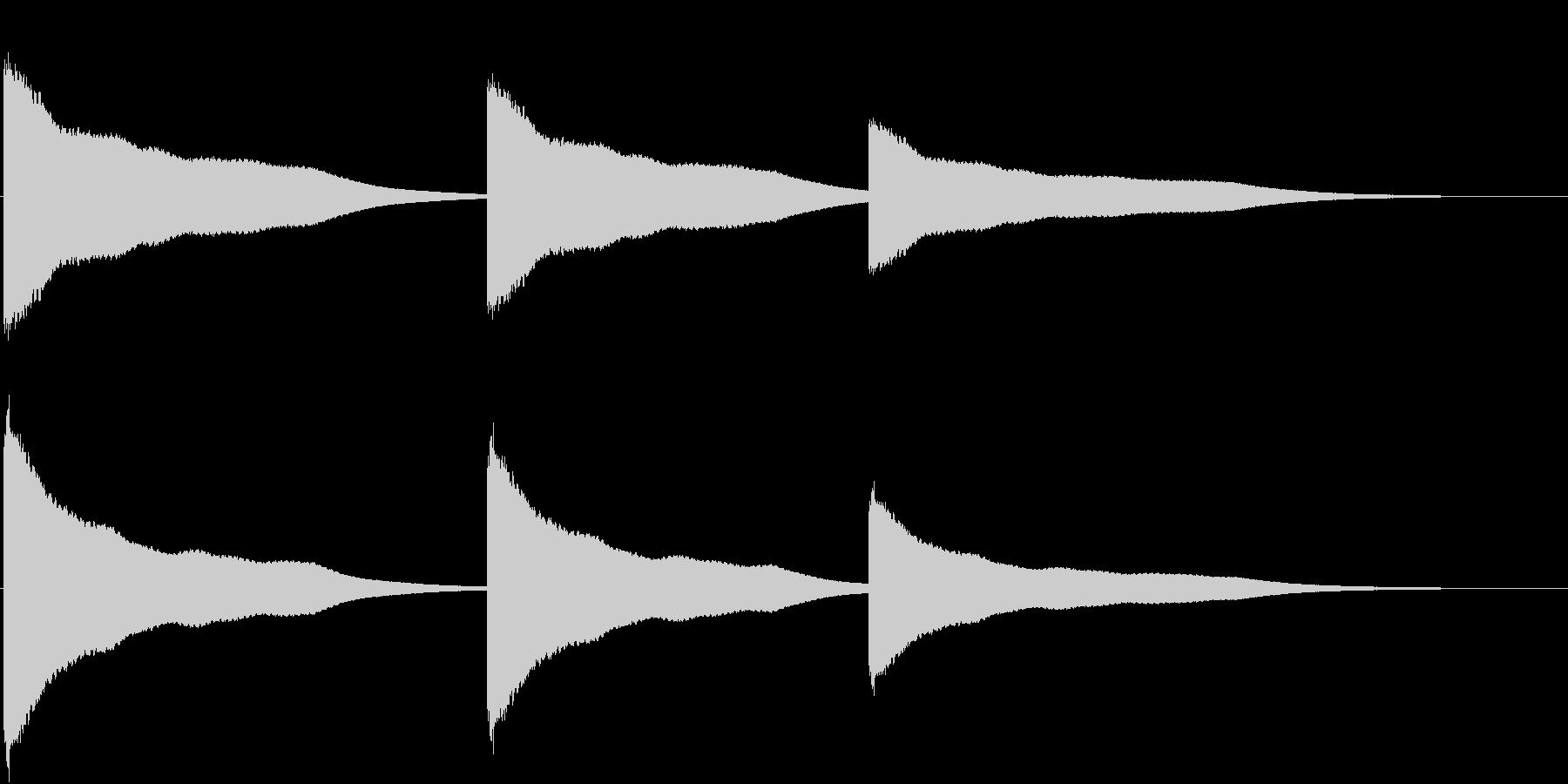 カーン(鐘をつく音)の未再生の波形
