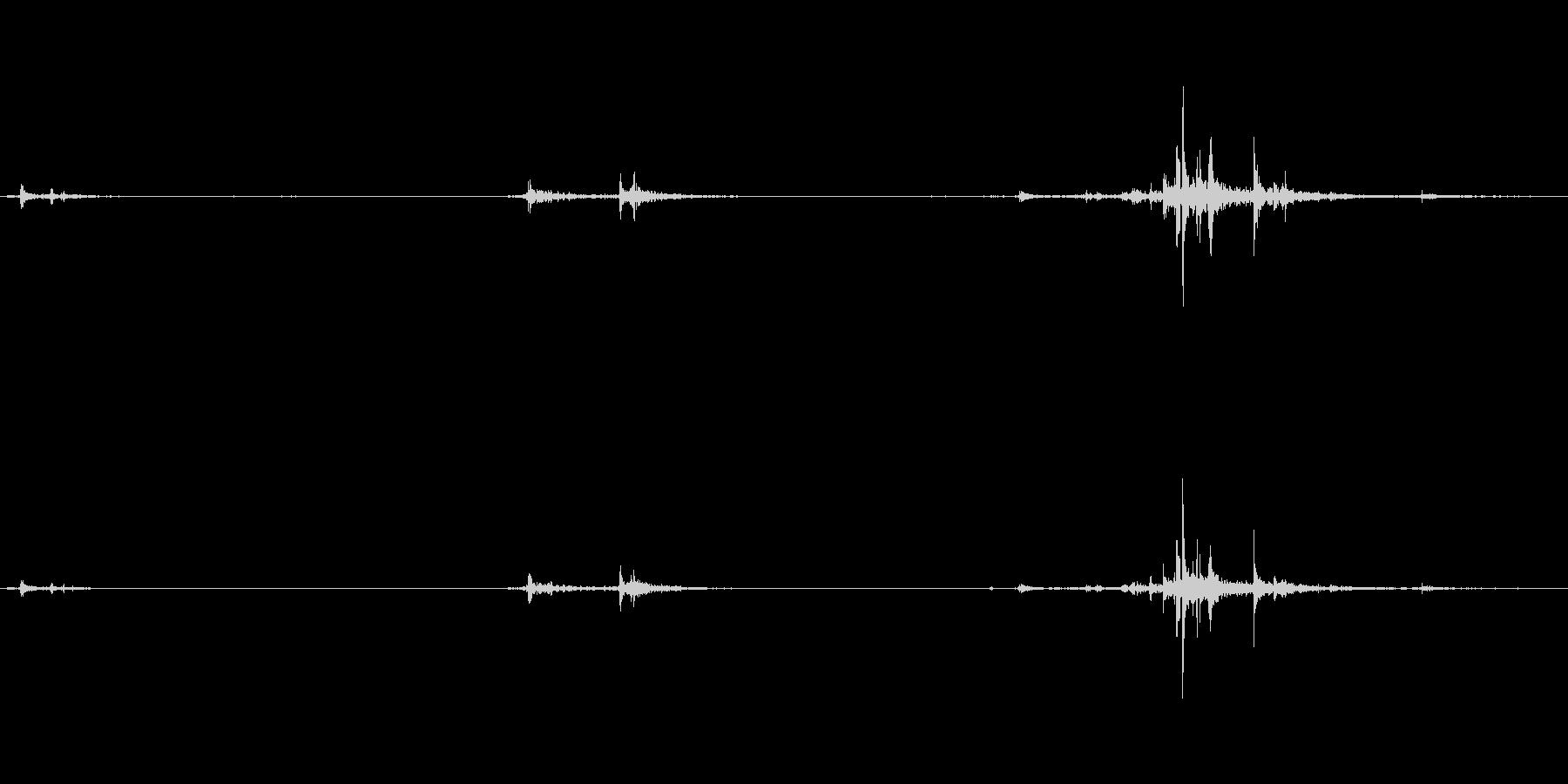 ガチャの未再生の波形