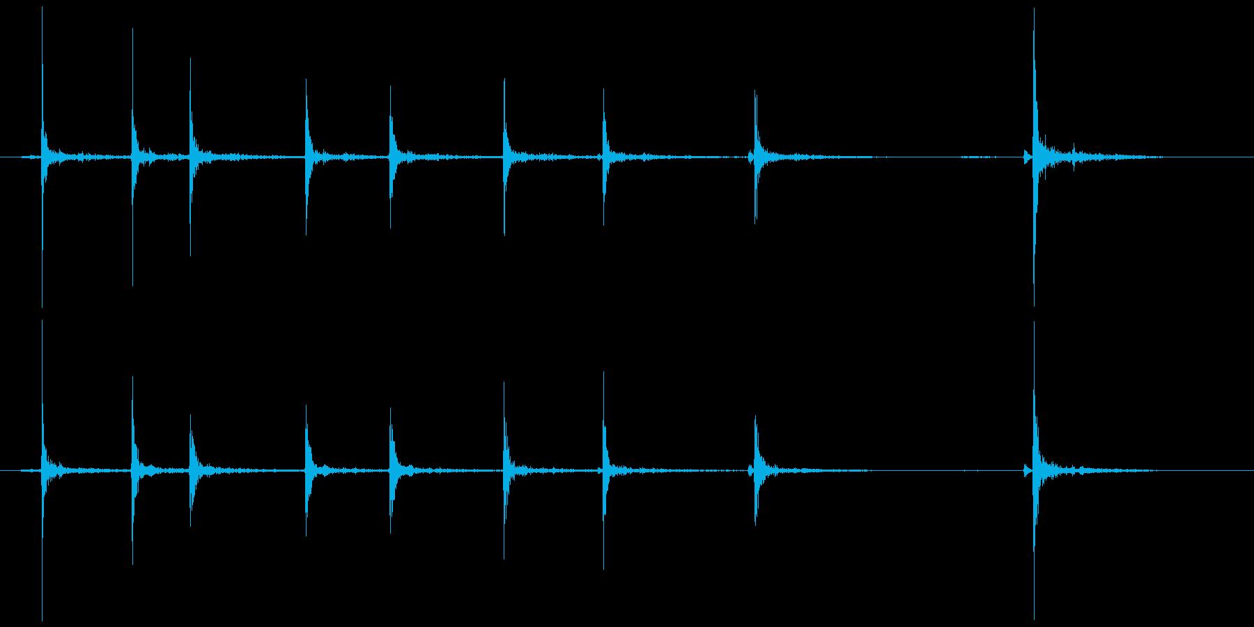 カッターの刃を伸ばす(気持ちゆっくり)の再生済みの波形