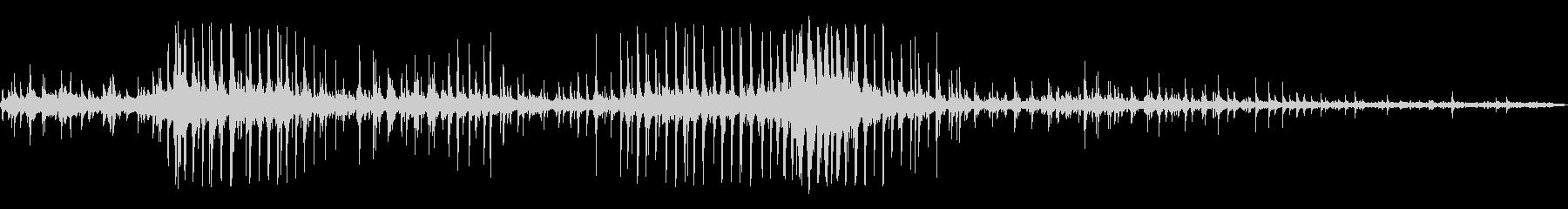 ノッキングを振る金属の未再生の波形