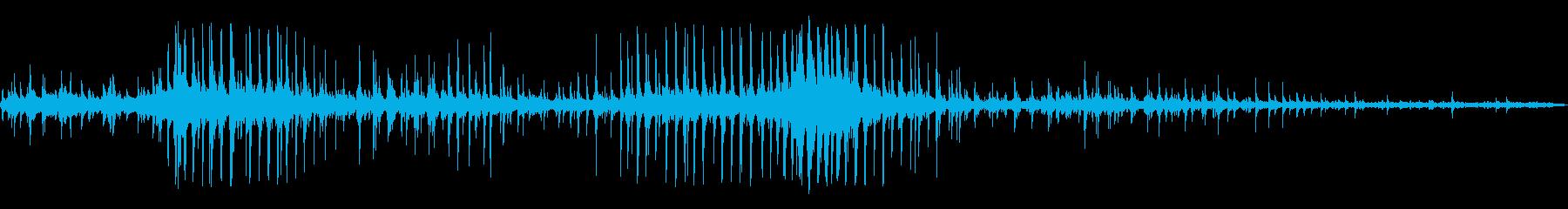 ノッキングを振る金属の再生済みの波形