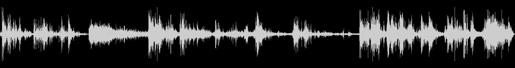 カミナリ(遠雷)の未再生の波形