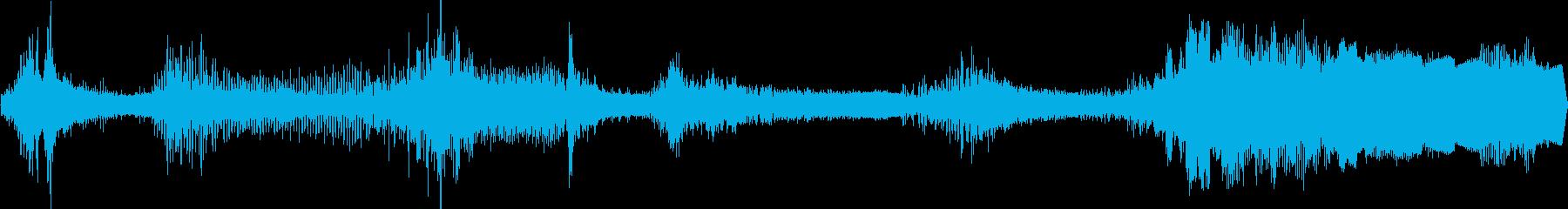 ゆっくり動く遅延を伴う振戦Tre音効果の再生済みの波形