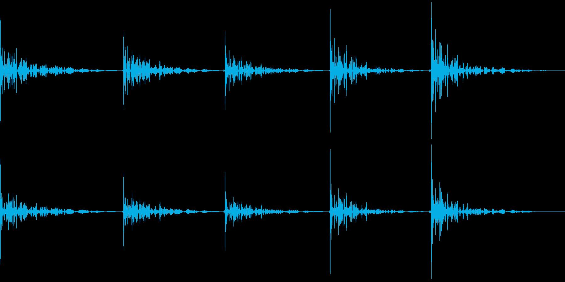 木のドアをノック(コンコンコンコンコン)の再生済みの波形