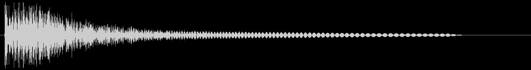 ボーーン(爆発音や炎を吐く音)の未再生の波形