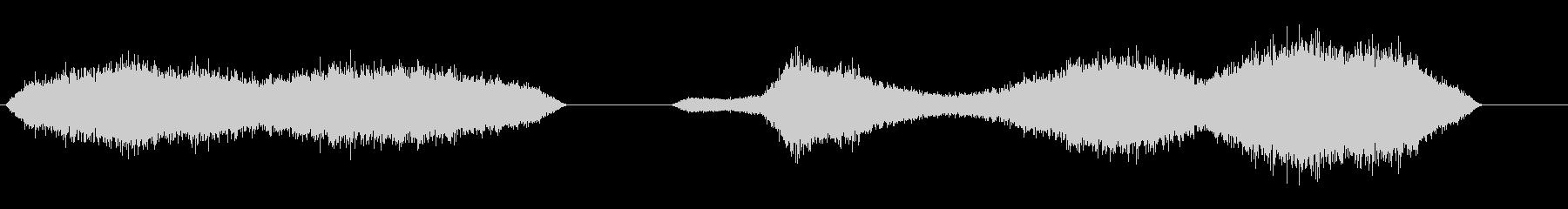 群衆のブーイングとホイッスル1の未再生の波形