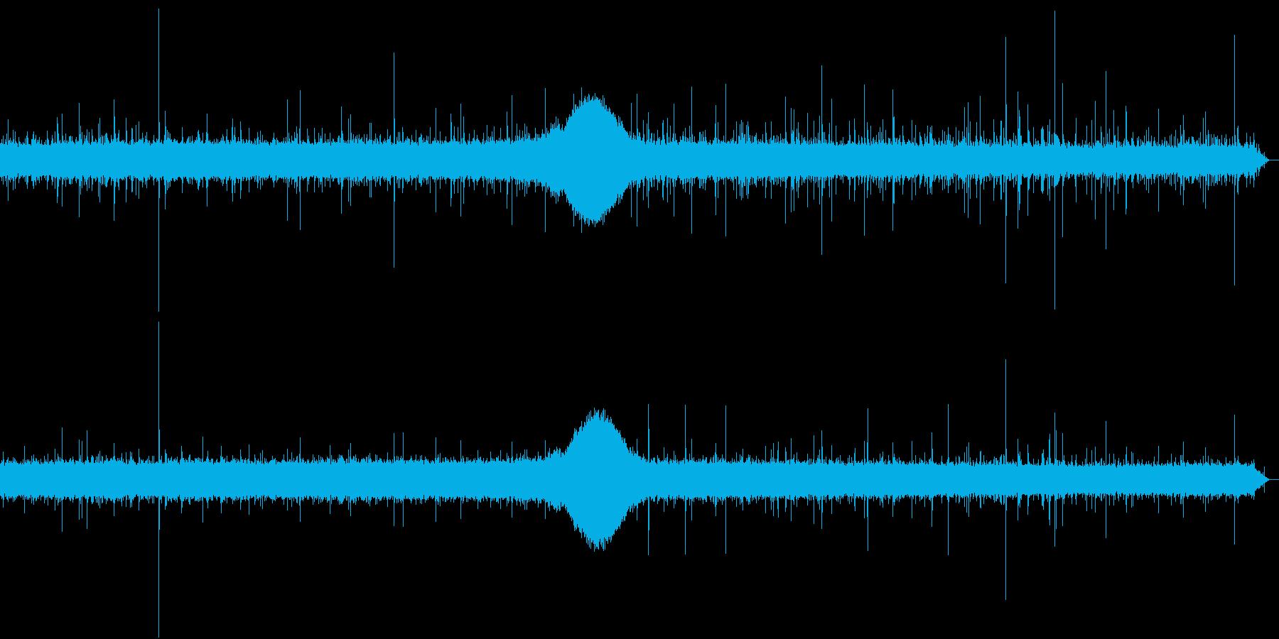 【生録音】日本 東京に降る雨の音 5の再生済みの波形