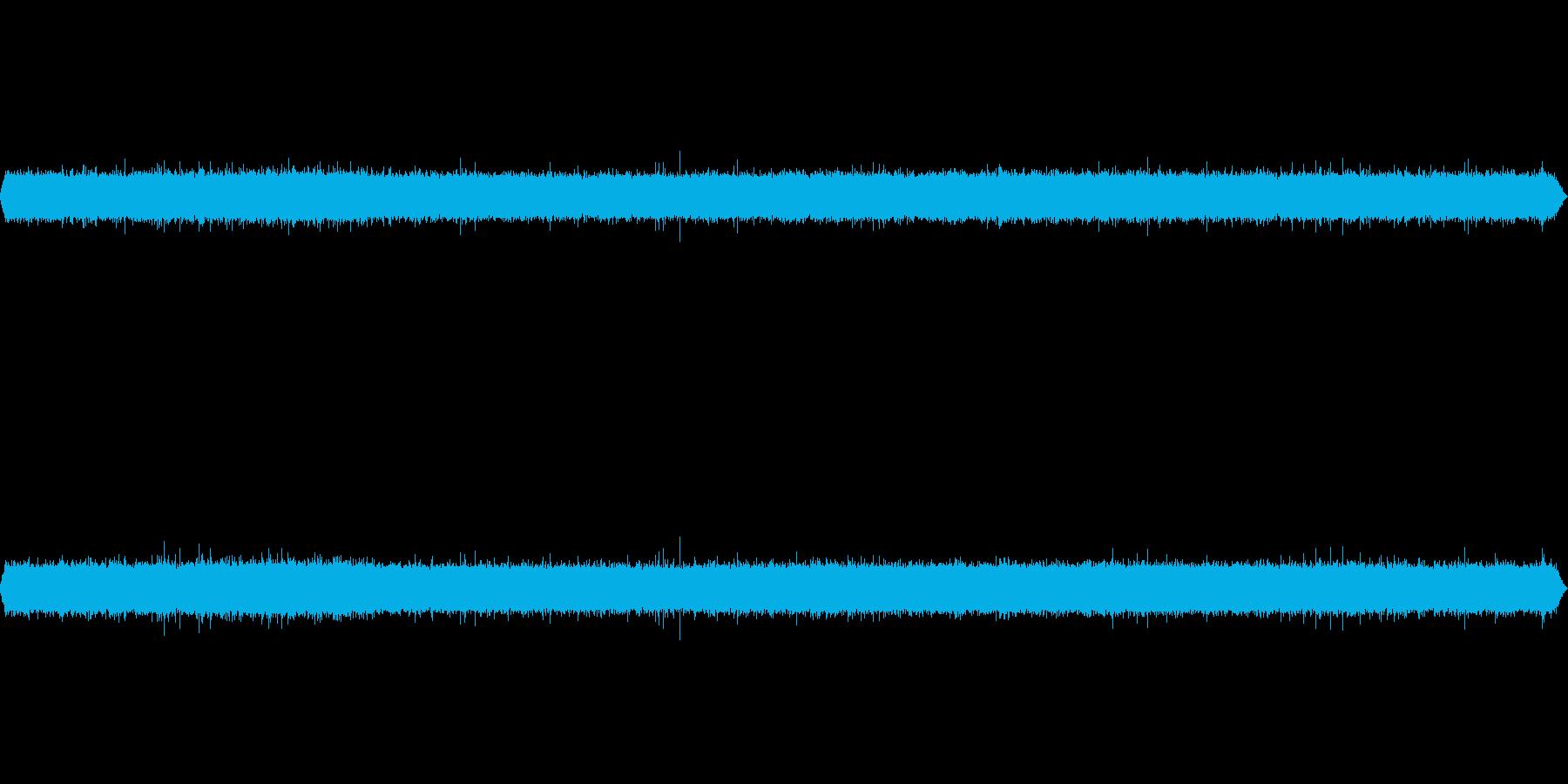 滝音~小さめの滝 2 遠めから【生録音】の再生済みの波形