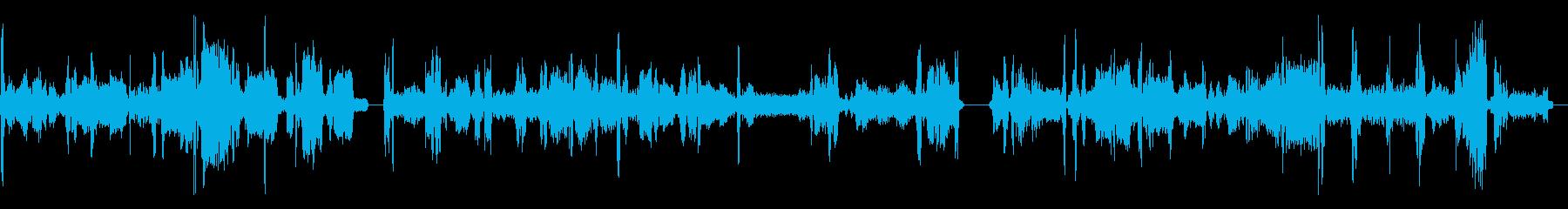 ラジオチューナーFM、チューニングx3の再生済みの波形