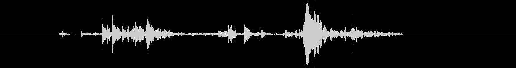 錠剤ケース(中)を振る音_02の未再生の波形