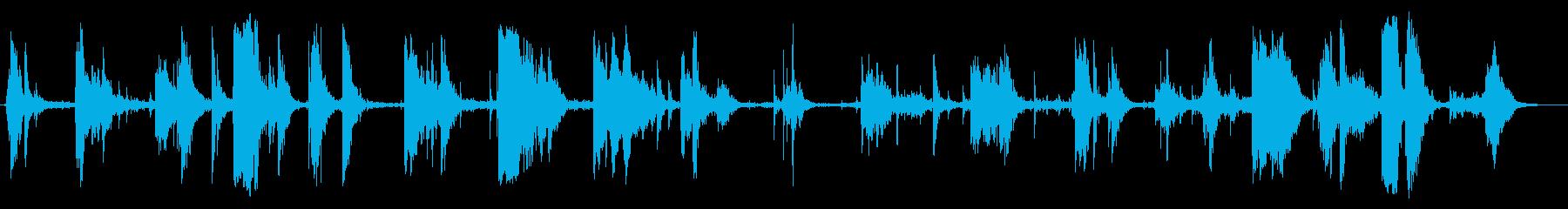 軽金属:絶え間なく重いクランチとガラガラの再生済みの波形