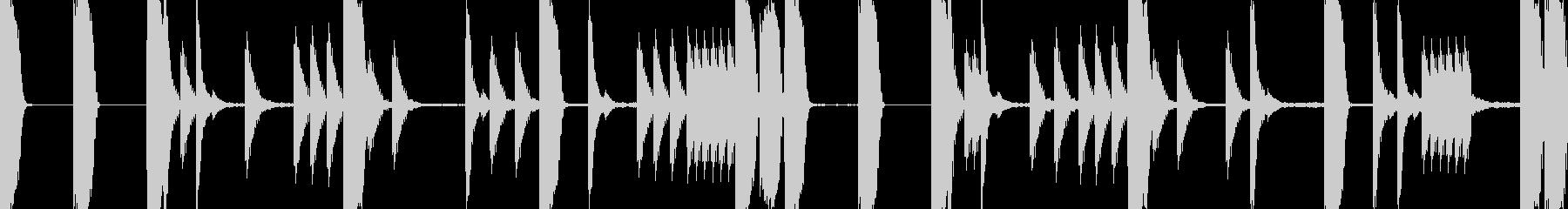 EDM シンプルかつソリッドなビートの未再生の波形