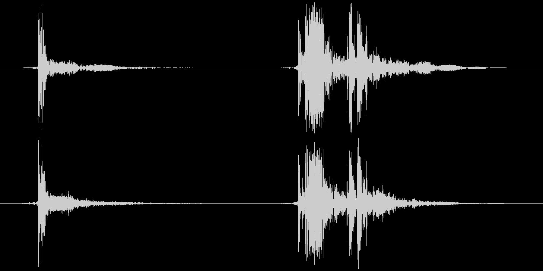 セロハンテープ等 切る(チ、カッ)の未再生の波形