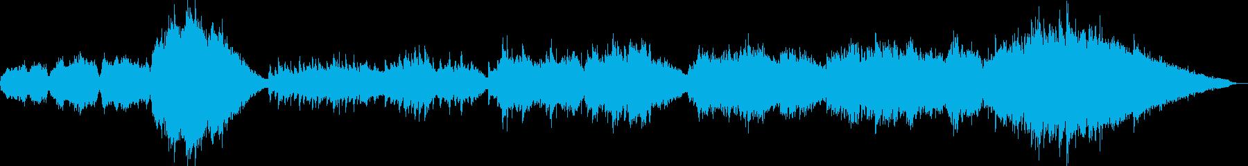 生命の誕生や息吹を呼び起こすピアノ弦楽曲の再生済みの波形