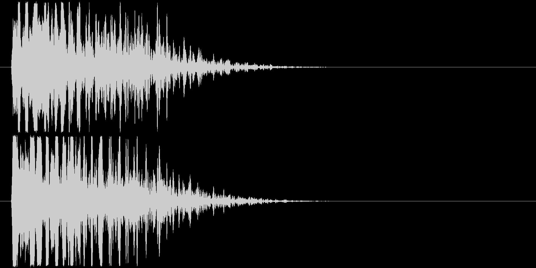 透明感のある甲高い衝突音の未再生の波形