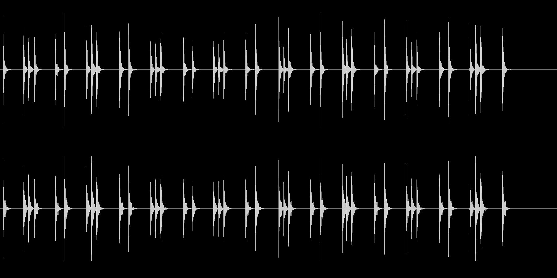 軽快な木鉦(もくしょう)のフレーズ音の未再生の波形