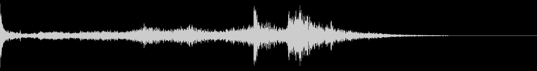 キーン(気配、耳鳴り)B10の未再生の波形