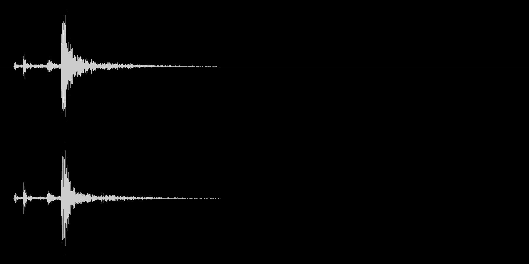 小さなライトまたは電源スイッチ:フ...の未再生の波形