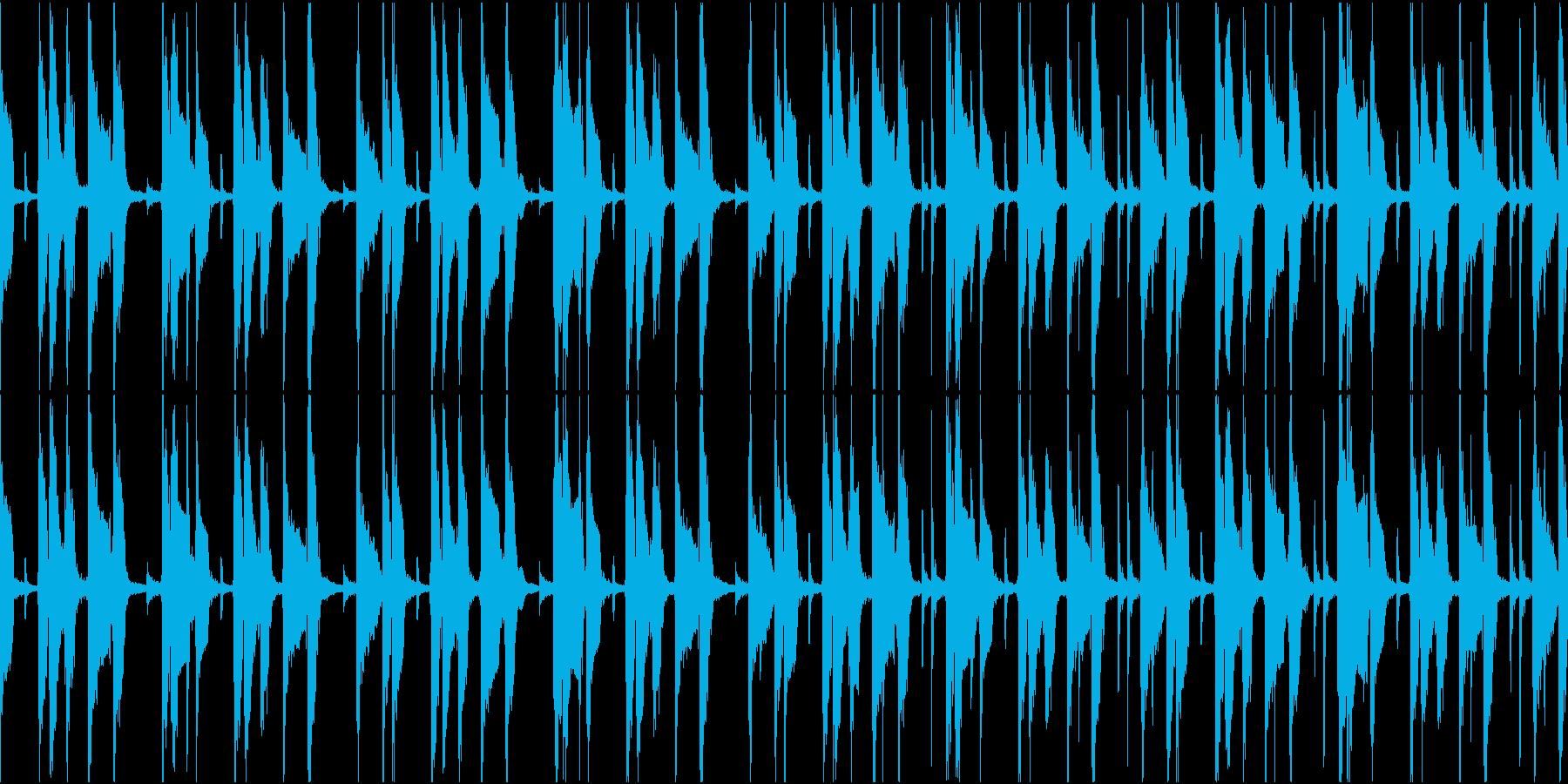 忍び寄るようなコミカルで怪しい曲の再生済みの波形