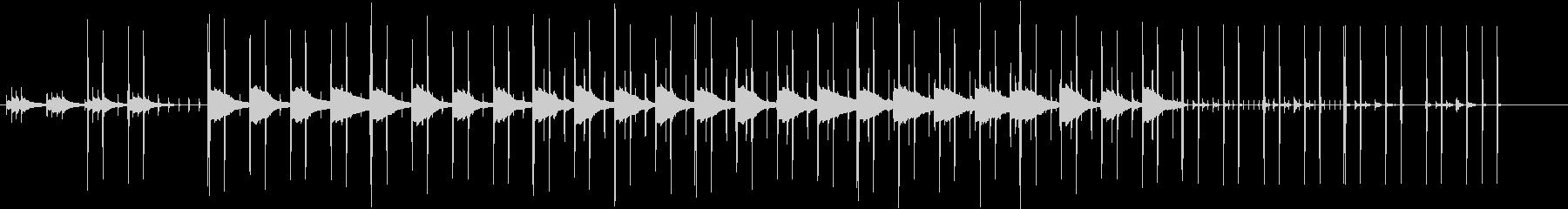 同じフレーズが繰り返されて透明感のある曲の未再生の波形