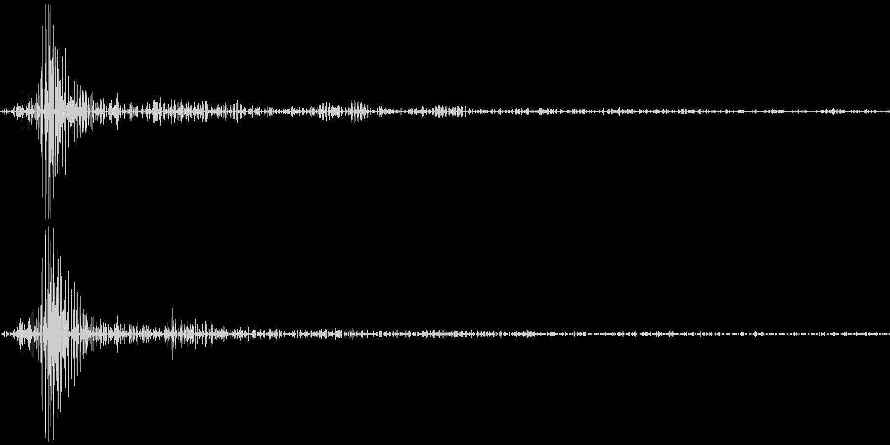 スイッチ 電気など  カチッの未再生の波形